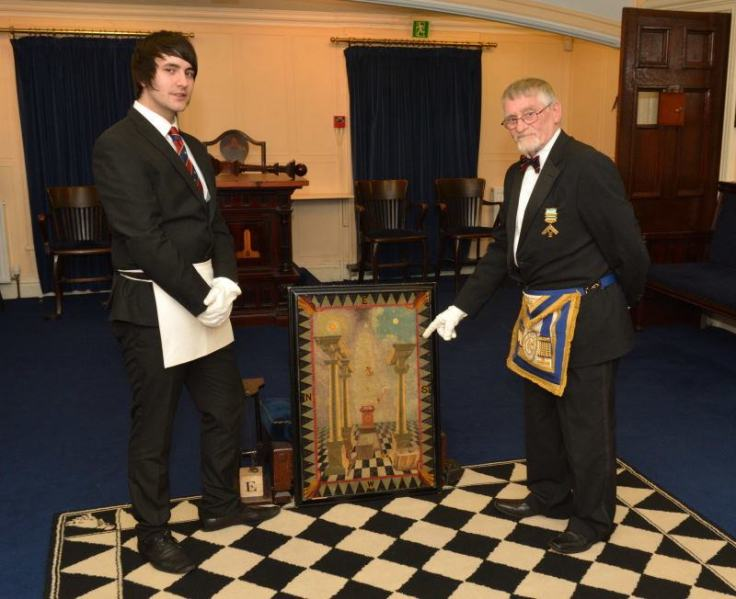 Bro Asworth receives first degree tracing board