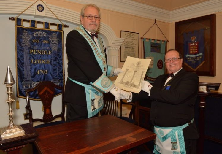 Ian Duxbury receives grand lodge certificate